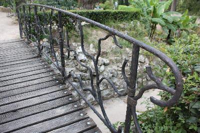 Bro med vakkert gelender
