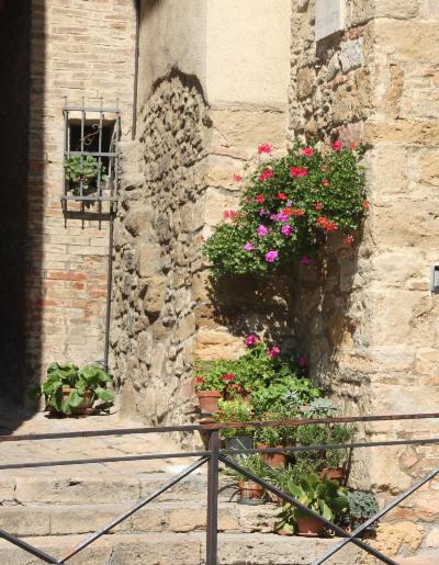 Vakre potter i Toscana