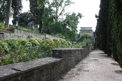 Mur i Den historiske hagen i Montpellier
